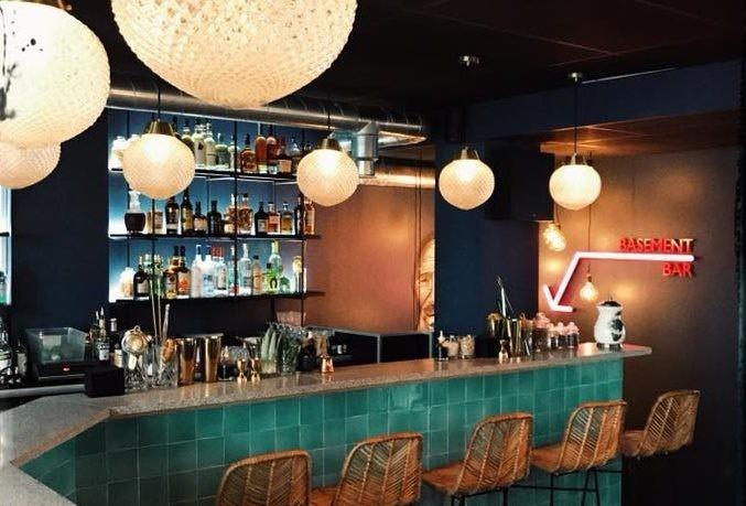 Les bars - Salons de thé & bars à cafés - Discothèques