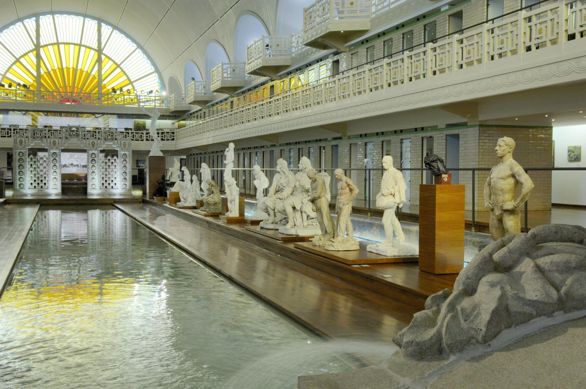 Mus e la piscine roubaix for Piscine meaning in english