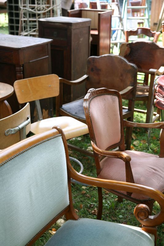 Braderie de Lille - flea market - furniture and chairs
