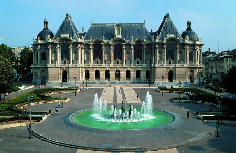palais-des-beaux-arts-face-office-de-tourisme-de-lille-947