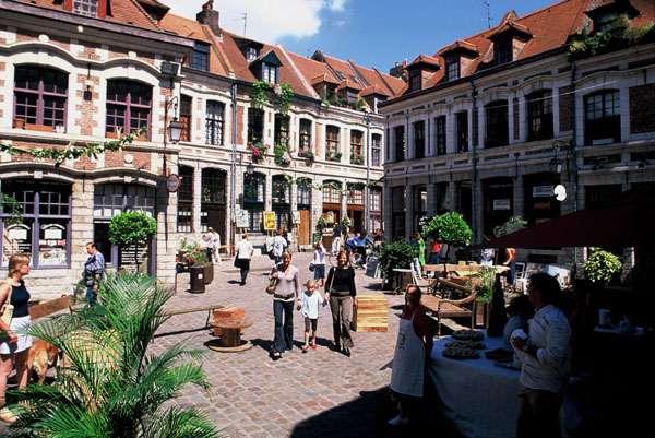 lille, vieux lille, place aux oignons lille, vieille ville lille