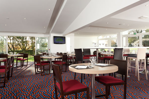 H tel restaurant holiday inn lille ouest englos h tel for Restaurant jardin lille