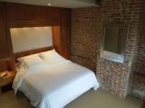 13-chambre-cote-rue-de-la-monnaie-683-4065
