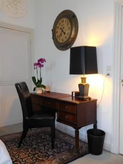 ch4-suite-jules-verne-bureau-7115