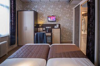 chambre-205-armoire-1-6197