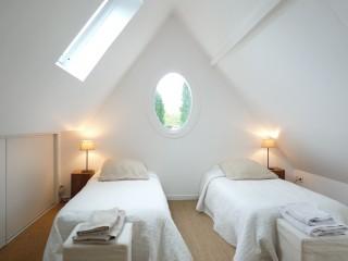la-longere-chambre-balcon-lits-jumeaux-10075