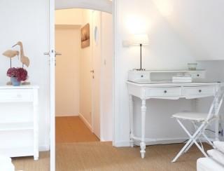 la-longere-chambre-balcon-le-bureau-10076