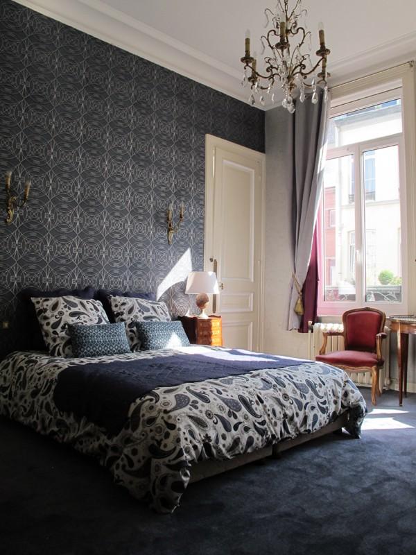 chambre d 39 h tes maison d 39 h tes lille centre la bourgogne en ville lille maison avec. Black Bedroom Furniture Sets. Home Design Ideas