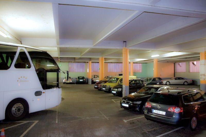 parking-2910
