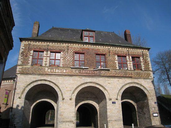 porte-gand-1-office-du-tourisme-lille