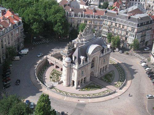 lille, paris, porte de paris, porte de paris a lille, beffroi de lille, mairie de lille, hotel de ville lille