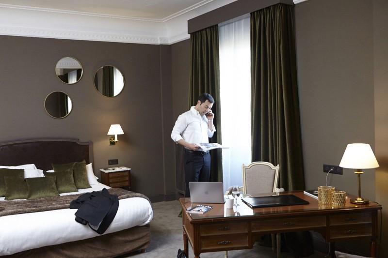 suite-junior-homme-business-tel-hotel-carlton-lille-8775