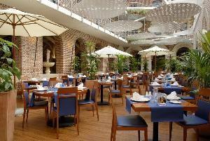 H tel restaurant lille centre le jardin du cloitre h tel for Hotel du jardin menu