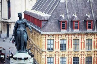 la-deesse-et-la-vieille-bourse-5047-60217
