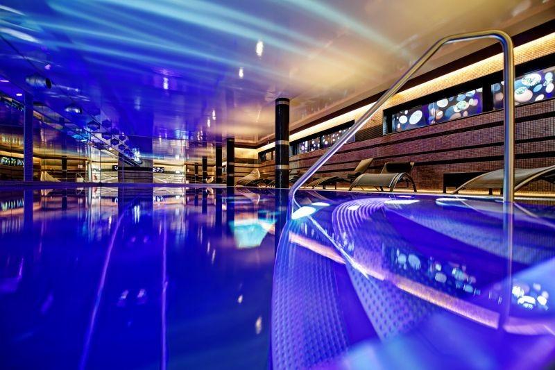 la piscine du spa de l'Hermitage Gantois