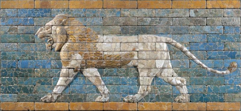 Panneau de briques ornant la Voie processionnelle de Babylone : lion passant Babylone Époque néo-bab
